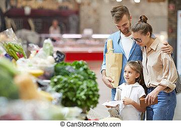 shopping drogheria, giovane, insieme, famiglia