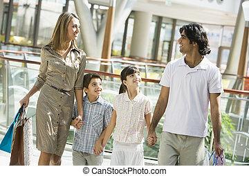 shopping famiglia, in, centro commerciale