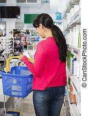 shopping kvinde, kosmetikker, ind, apotek