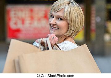 shopping mulher, dela, desfrutando, saída, dia