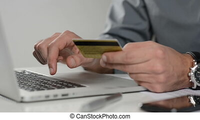 Shopping online - Making a payment with a credit card