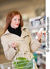 shopping, série, -, cabelo vermelho, mulher, comprando, shampoo