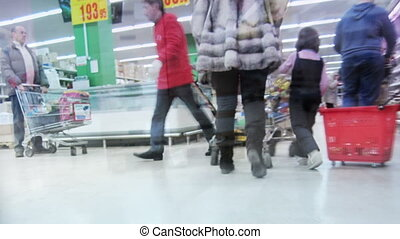 Shopping time lapse.