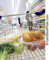 shopping vozík, s, potraviny, v, supermarket