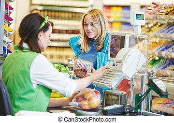 shopping., winkel, controleren, supermarkt, uit