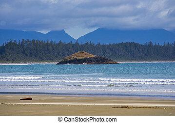 shoreline at long beach in Tofino, Vancouver Island, BC -...
