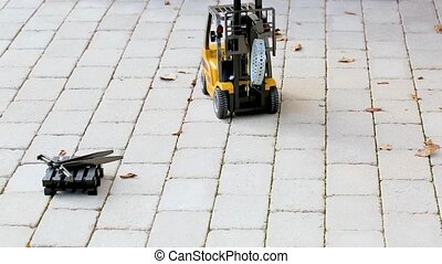 Short film of working radio controlled model forklift. Free...