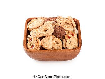 shortbread in a wooden bowl