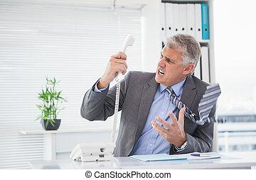 shouting, zangado, homem negócios, telefone