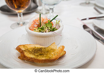 Shrimp Appetizer with Garlic Bread