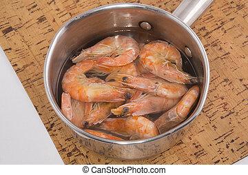 Shrimp in a pan