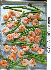 Shrimp with asparagus sheet pan dinner