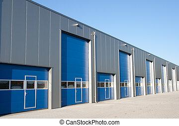 Shutter doors - Industrial Unit with roller shutter doors