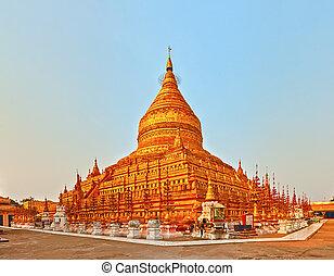 shwezigon pagoda, 中に, bagan., myanmar., パノラマ