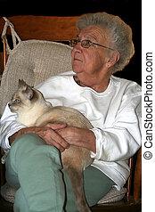 siamese, oude vrouw, vasthouden, kat