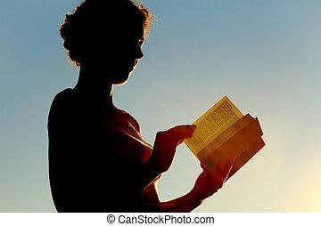 sida, bibel, vändning, ung kvinna, ringla, läsning, sida se