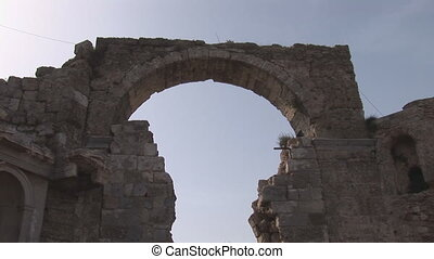 Side arch - Arch in ansient wall of Side