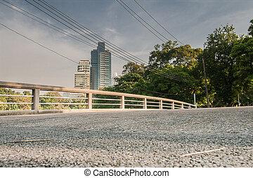 side bridge fence