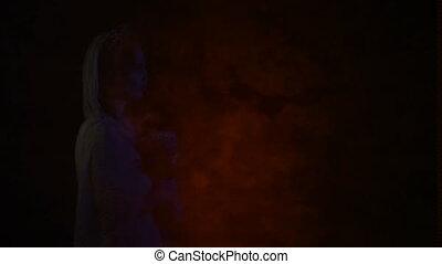 side., droit, image, mort, robe, elle, jeune, clignotant, femme, écran, en mouvement, mariage, voile, fantôme blanc, apparaître, crâne, masque, figure, mariée, picture., gauche