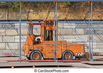 Side Loading Forklift Truck