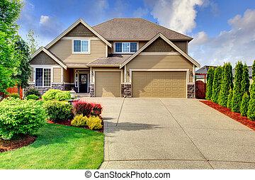 siding, casa, com, pedra, aparar, e, telhado azulejo