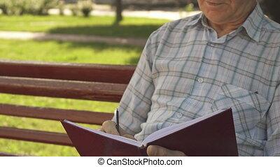 sien, écrit, banc, cahier, homme aîné