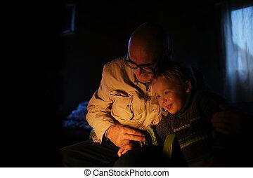 sien, cheminée, étreint, petit-fils, grand-père
