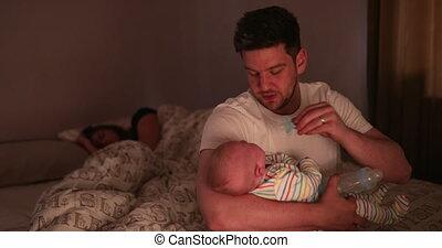 sien, consoler, père, nouveau né, nuit, pendant