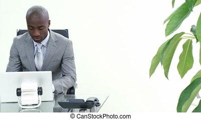 sien, conversation, collègue, homme affaires, bureau