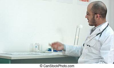sien, décrire, bouteille, docteur, projection, diagnostic, patient, mâle, pilules