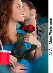 sien, film regardant, hommes, jeune, quoique, cinéma, petite amie, baisers, kiss., beau