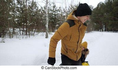 sien, hiver, famille, épouse, weekend., snow., traction, enfant, tuyauterie, glissement, homme