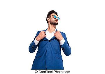 sien, lunettes soleil, aimer, élégant, traction, homme, collier, surhomme