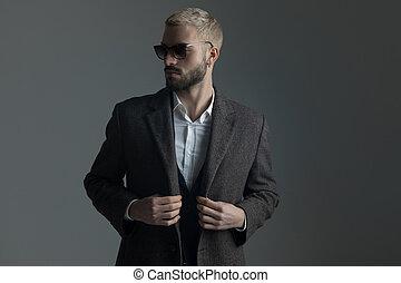 sien, lunettes soleil, longcoat, ajustement, complet, blond, homme