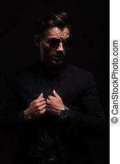 sien, lunettes soleil, mode, traction, complet, noir, collier, homme