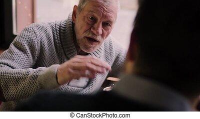 sien, père, jeune, fils, cafe., personne agee