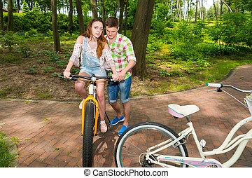 sien, parc bicyclette, petite amie, équitation, type, enseigne