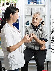 sien, patient, niveau, vérification, docteur, sucre, regarder, femme