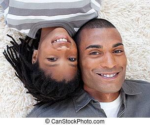 sien, plancher, père, fils, ethnique, sourire, mensonge