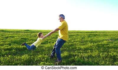 sien, pré, père, fils, tourner, vert, tenant mains