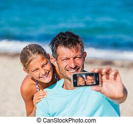 sien, prendre, père, gosses, plage, selfie