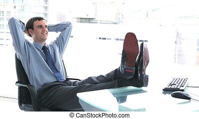 sien, reposer, homme affaires, bureau, jeune
