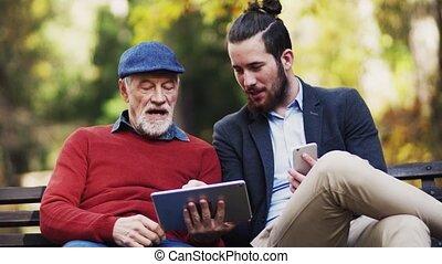 sien, séance, nature, tablet., père, fils, utilisation, personne agee, banc