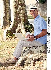 sien, souche, fonctionnement, séance, ordinateur portable, arbre, homme