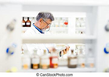 sien, tablette, travail, informatique, utilisation, personne agee, (color, doctor/scientist