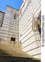 Siena cathedral detail 03