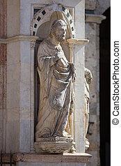 Siena, Tuscany. Statue of the Cappella di Piazza