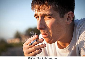 sigaret, jonge man