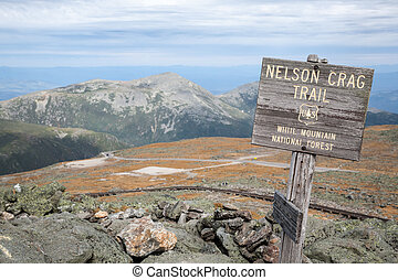 Mt Washington - Sign for Nelson Crag hiking trail at Mt...