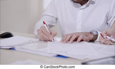 signer, documents, bookkeeper's, haut, mains, fin, vue